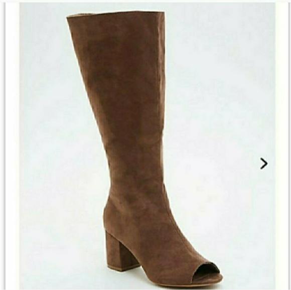 ac68897e956d NEW Torrid Peep Toe Knee High Boots. M 5b2f57b1a5d7c61531558bc3